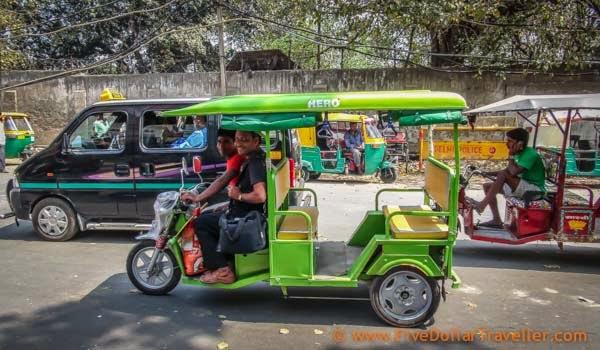 Electric rickshaw delhi.jpg