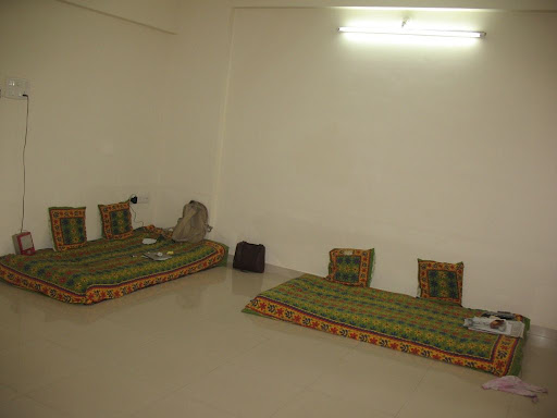Main Hall - Bhartiya baithak only ;)