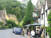 Pub in Castle Combe