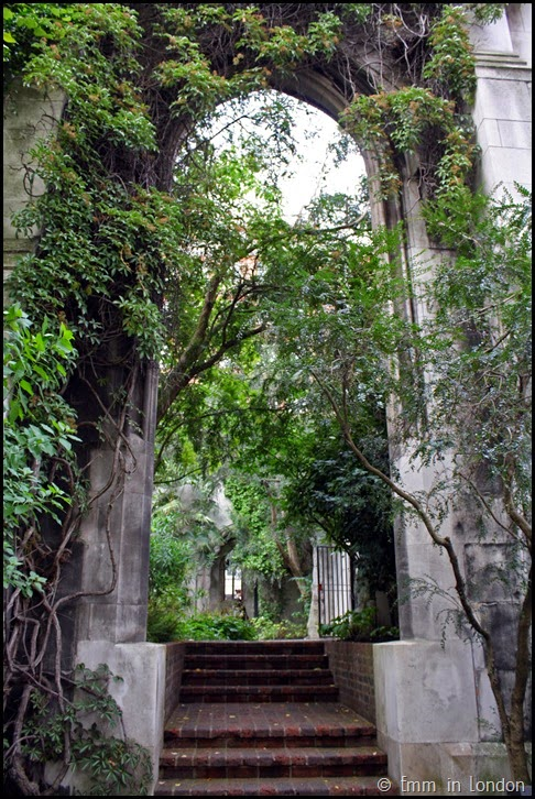 Bombed out church of St Dunstan in the East (13)