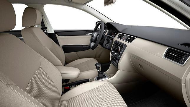 2013-Seat-Toledo-Interior-2.jpg?imgmax=800