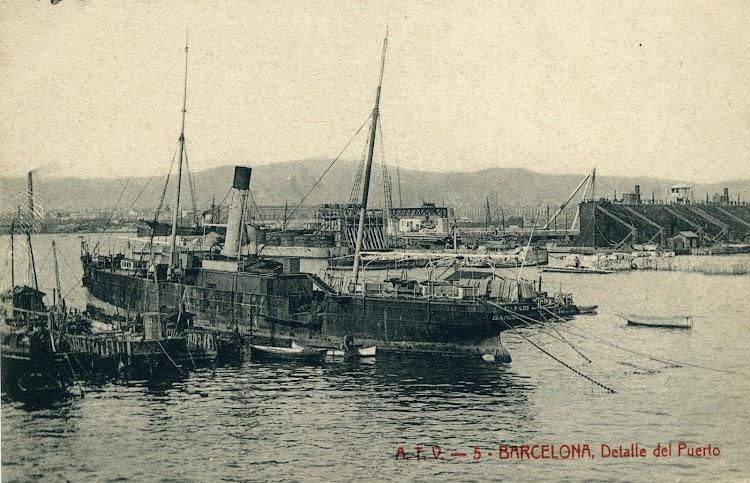 Vapor CARLOS en Barcelona. Foto que probablemente este fechada en octubre de 1902. POSTAL.JPG