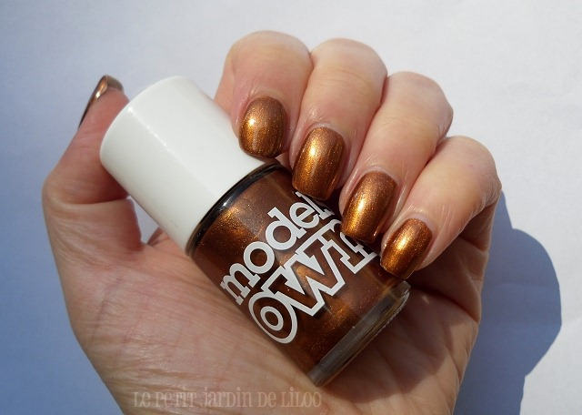 003-models-own-bronze-rage-nail-polish-swatch-review