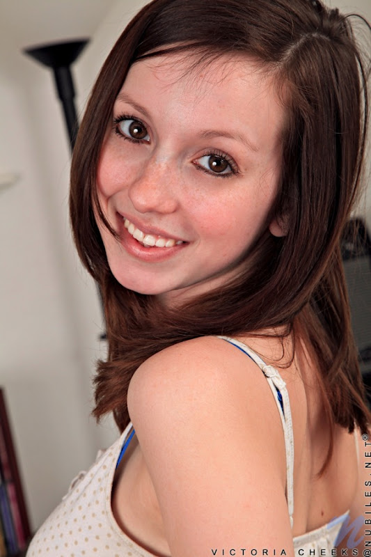 Victoria cheeks1 008