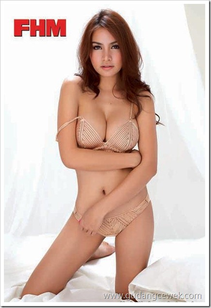 Foto Panas Kratae Supaksorn Model Hot Thailand    gudangcewek.com