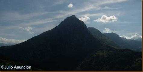 Pico San Vicente desde la Cueva de Covalanas - Ramales de la Victoria