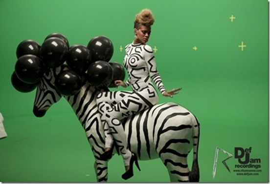 Rihanna's new video 'Rude Boy' 2