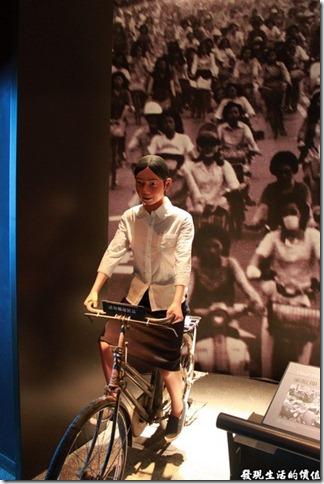台南-國立台灣歷史博物館。當時的「加工區」女工幾乎都是騎腳踏車上下班的。