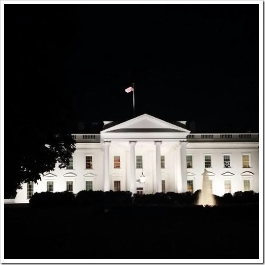 white house at midnight