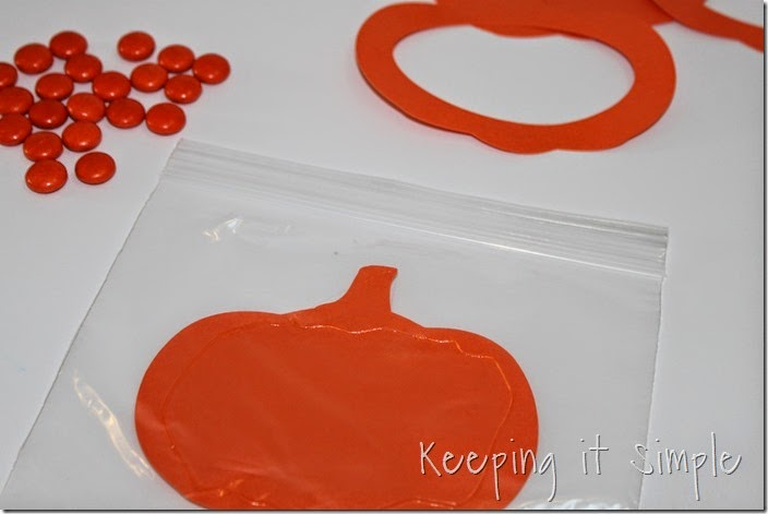 Easy Thanksgiving Candy Pouches (5)