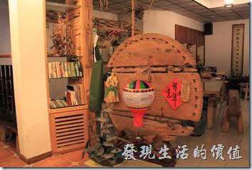 台東池上-一進入【黃姐民宿.一夜情】的民宿就可以感覺到一股濃農的原木風。