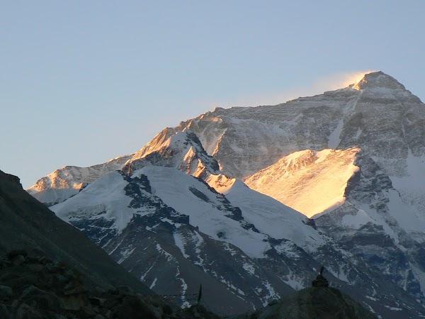 Imagini Tibet: rasarit pe Everest