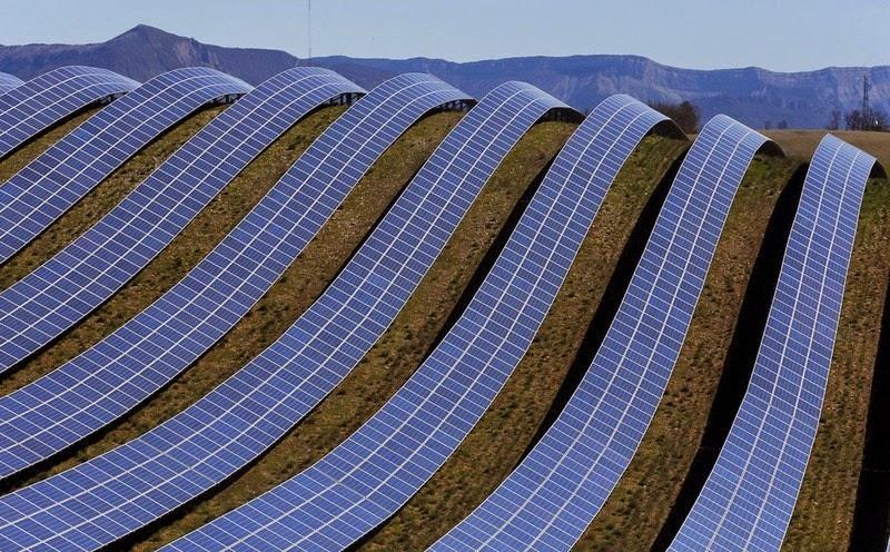 les-mees-solar-farm-7
