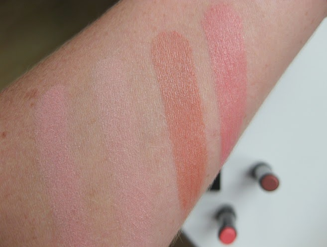 BobbiBrown-pink-lightening-blush Summer-Nude-Peach-sorbet-sheer-lip-swatch