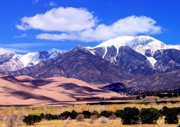 Great_Sand_Dunes_National_Park_Colorado_07-728x516
