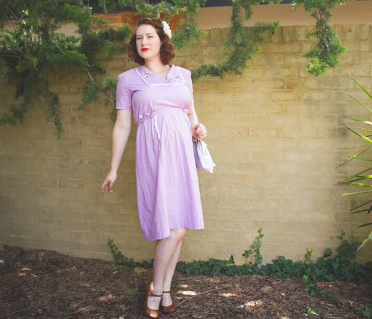 1940's maternity style in a vintage maternity dress | Lavender & Twill