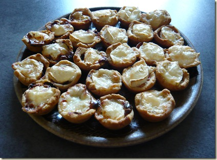 Baking in franglais christmas canap s for How to make canape shells