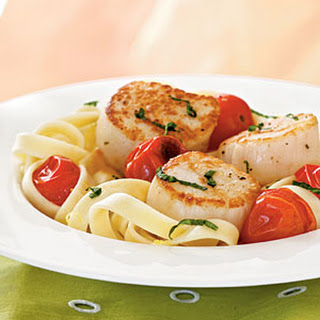 Seared Scallops with Roasted Tomatoes