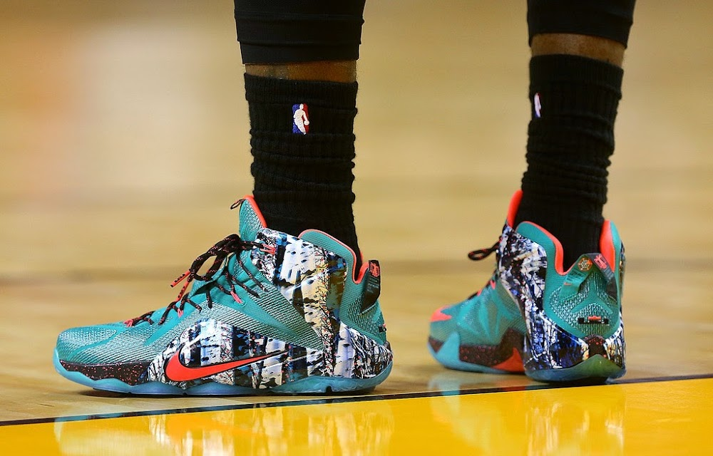 lbj wears 8220christmas8221 nike lebron 12 in his return to miami - Christmas Lebron 12