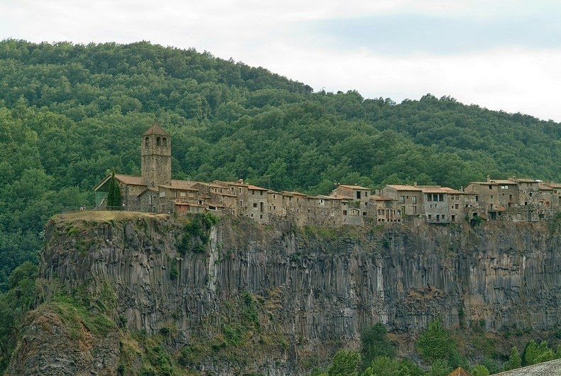 castellfollit-de-la-roca-8