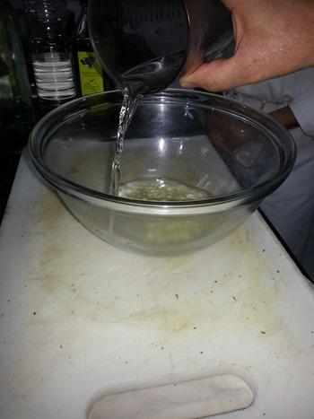 Paso 3 Preparar el macerado vino, vinagre