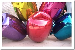 tulips koons balloons