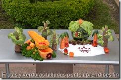 Frutas y verduras talladas por lo aprendices finalistas