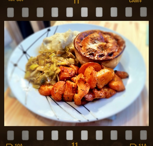 Heidi pie with parmesan mash, cumin roast carrots and leek gravy