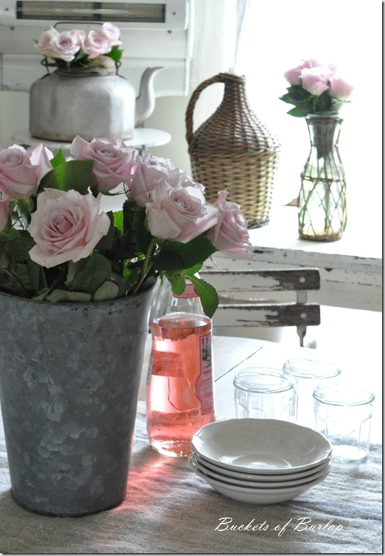 breakfast nook roses