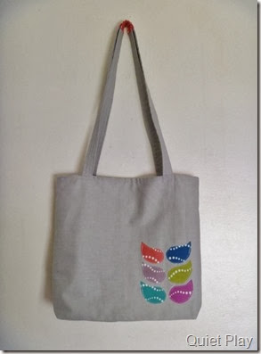 Leaf applique on tote bag
