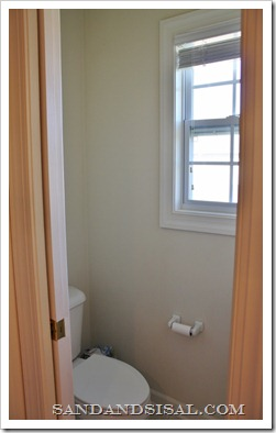 bathroom before (533x800)