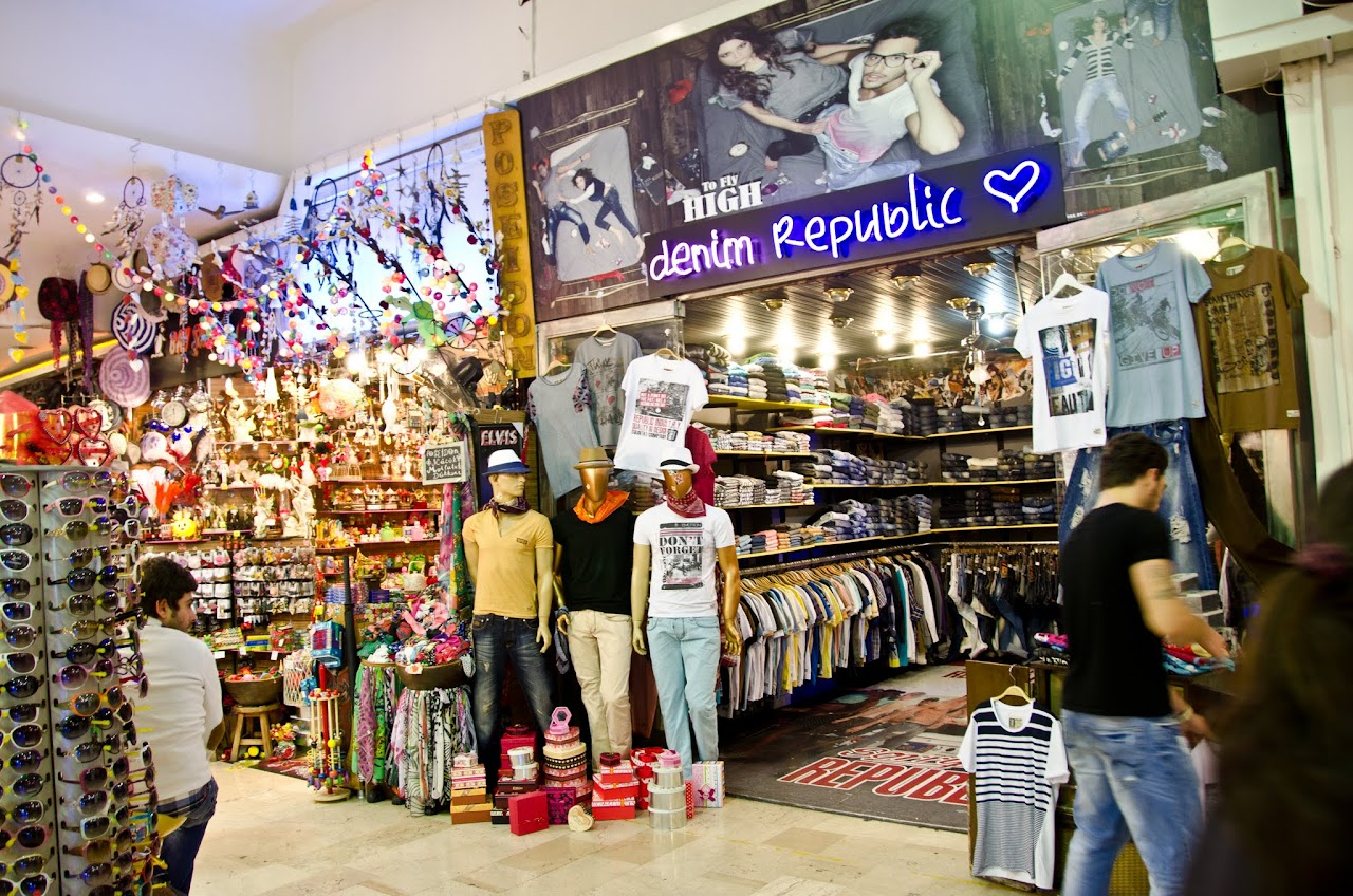 Fashion stores on Istiklal Street