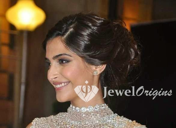 [Sonam_Kapoor_Diamond_Earrings%255B4%255D.jpg]