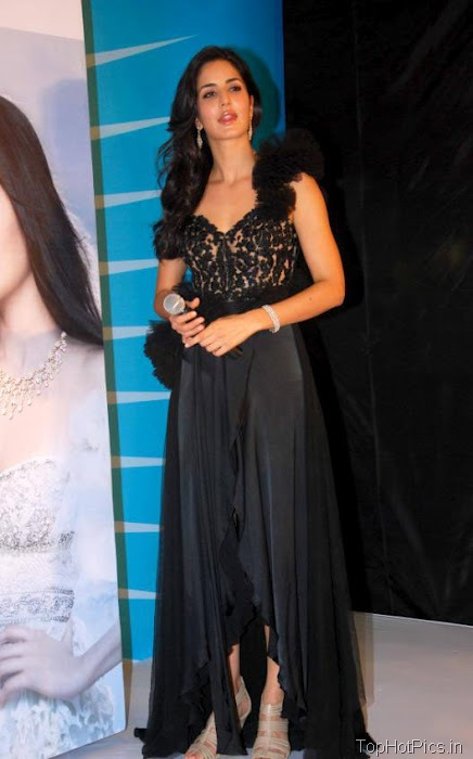 Katrina Kaif Hottest Pictures in Cute Black Dress 5