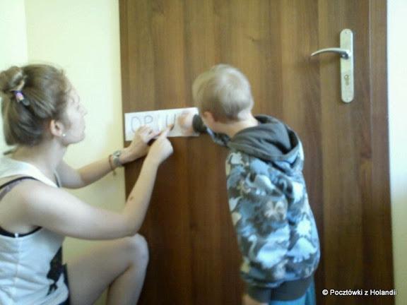 Cieszyńska ląduje na drzwiach, czyli Cysiek uczy się czytać sekwencyjnie
