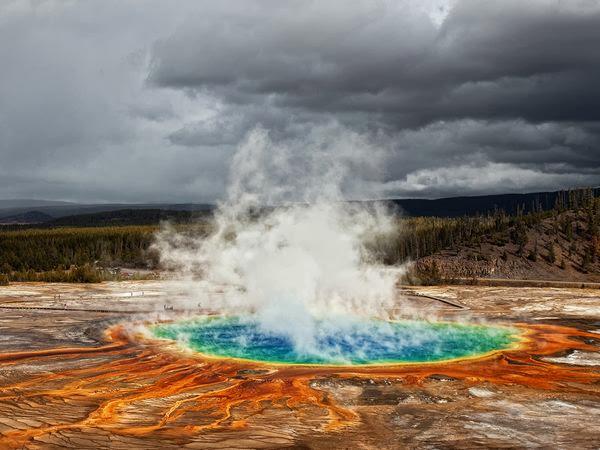 4%252520%2525281%252529 صور ينبوع المياة الحارة متعددة الالوان في Yellowstone National Park