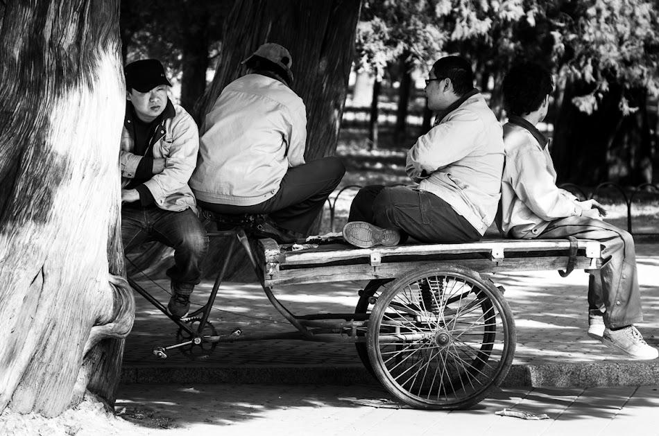 Peking - Vier Chinesen ohne.jpg
