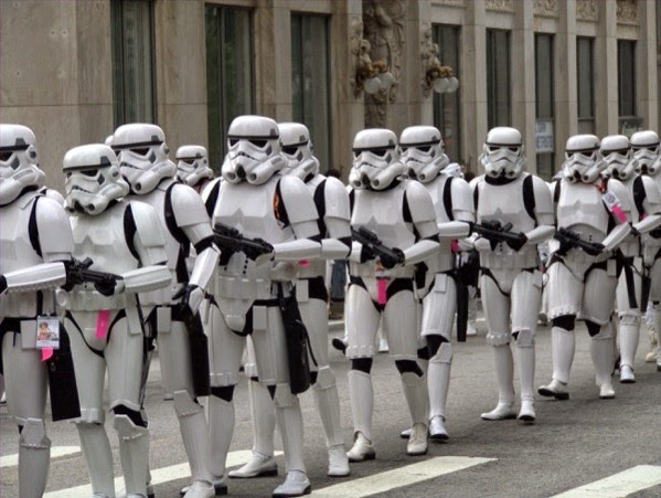 CC Photo Google Image Search Source is upload wikimedia org  Subject is Stormtroopers march