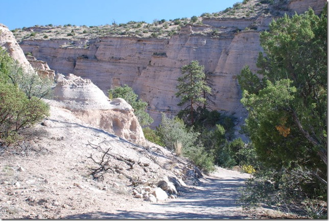 10-17-11 Kasha-Katuwe Tent Rocks NM (42)