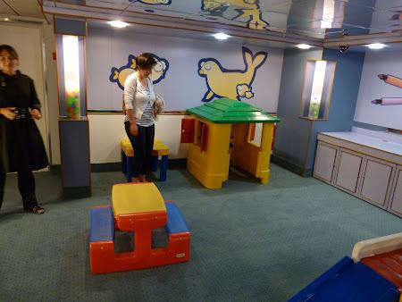 Ferry Madeira - Porto Santo: loc de joaca copii