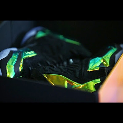 nike lebron 11 nsw sportswear ext kings crown 6 13 Release Reminder: Kings Crown LeBron 11... the Whole Package