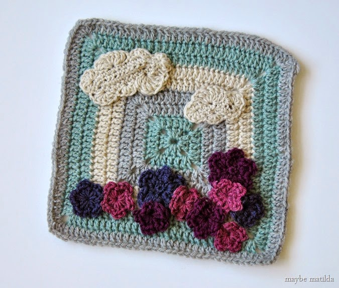 Flower Garden Granny Square pattern // www.maybematilda.com