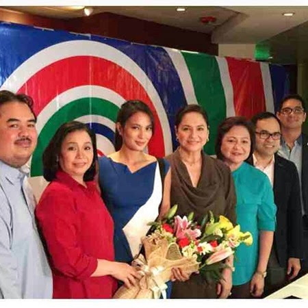 Isabelle Daza signs contract with ABS-CBN