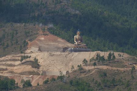 Obiective turistice Bhutan: statuie Buda Thimphu