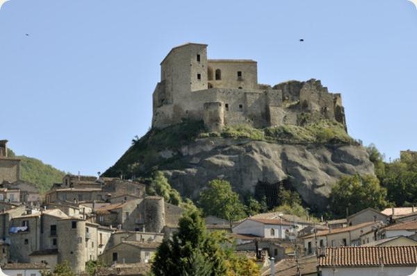 basilicata castello laurenzana