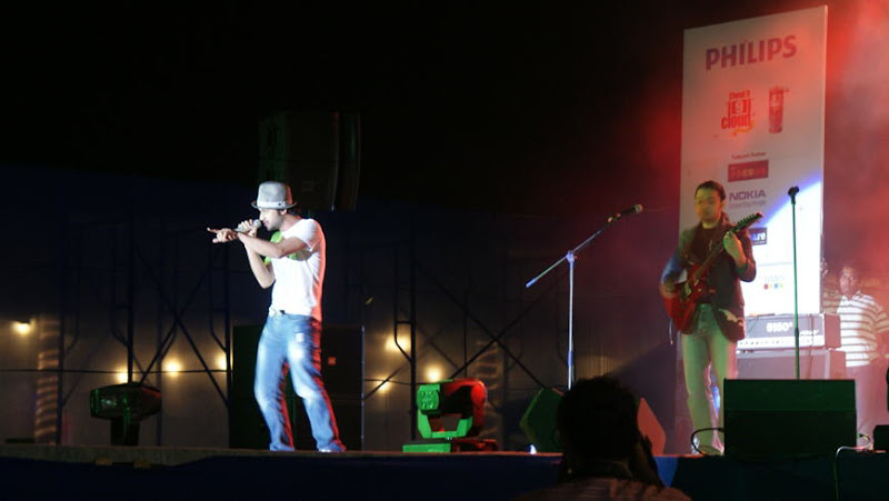First Glimse pictures of Atif Aslam Show in Bangalore