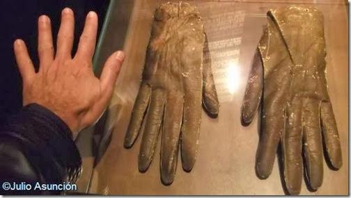 Guantes de El Gigante de Altzo - Museo San Telmo