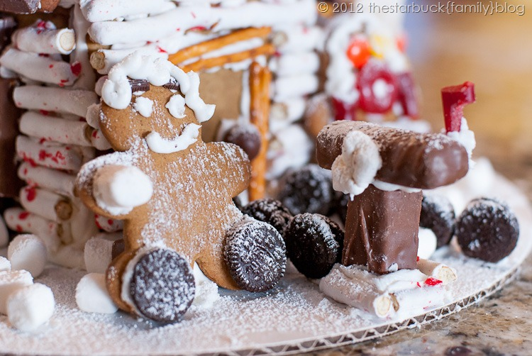 Gingerbread Houses 2012 blog-28