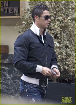 cristiano-ronaldo-madrid-restaurant-07