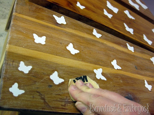 Sanding over Vinyl to Prep surface for painting {Sawdust and Embryos}